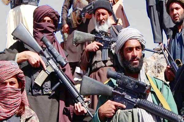 Taliban seize key Afghan border crossing