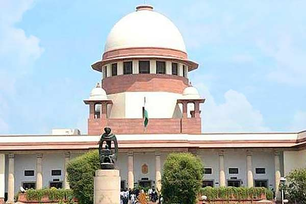 The Supreme Court said that the people of Delhi are mature but both the governments are immature