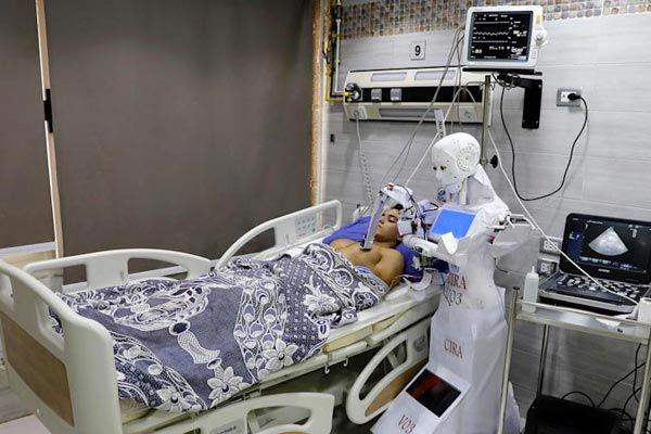 Israel Will Deploy Robots To Deliver Medicine To Cancer Patients In The Hospital