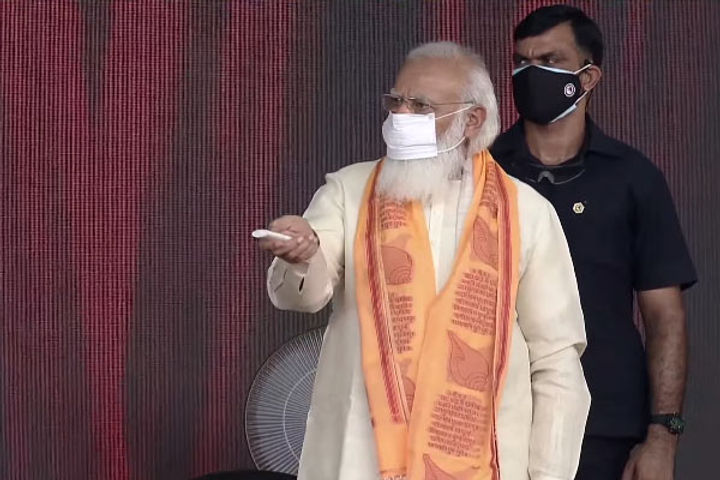 PM Modi counted the achievements of Yogi government to the people of Varanasi