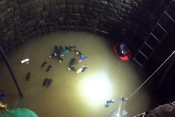 30 fall into well in Ganj Basoda
