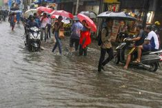 Train service affected due to heavy rains in Mumbai red alert issued