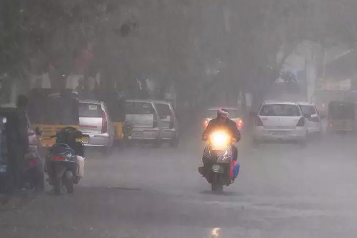 Heavy Rain In Delhi July Rain Broke The Record Of 18 Years