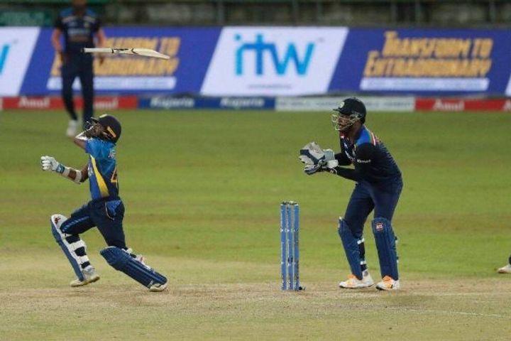 Sri Lanka beat India in the second T20