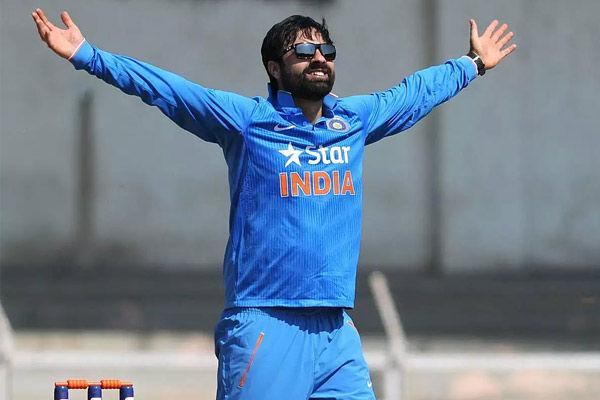 Parvez Rasool accused of stealing pitch roller