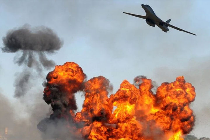 Israel Strikes Gaza After Incendiary Balloon Attacks