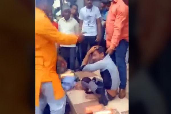 Indore bangle seller held