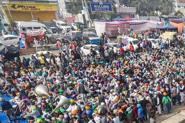 Farmers standing on the borders of Delhi are organizing a two-day convention from today