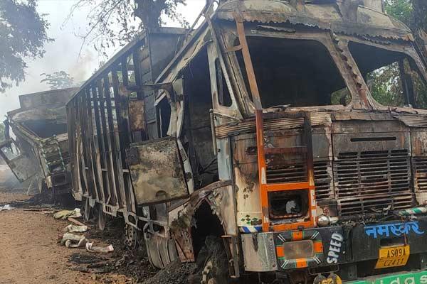 Militants attack trucks in Assam