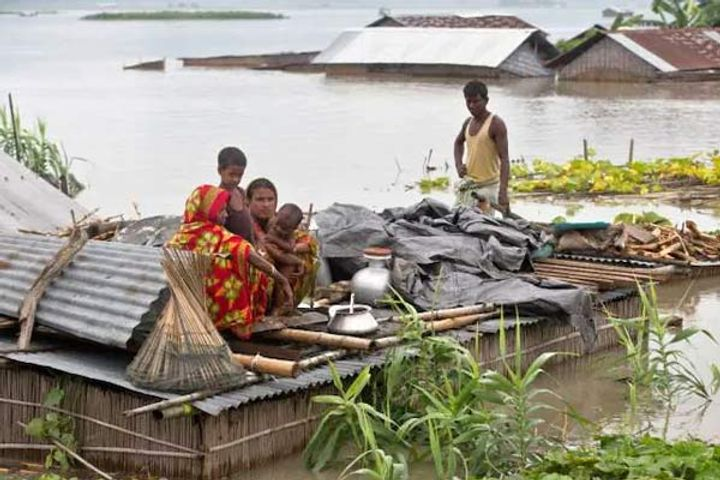 Flood In Assam Situation Worsens 21 Districts Four Lakh People Affected