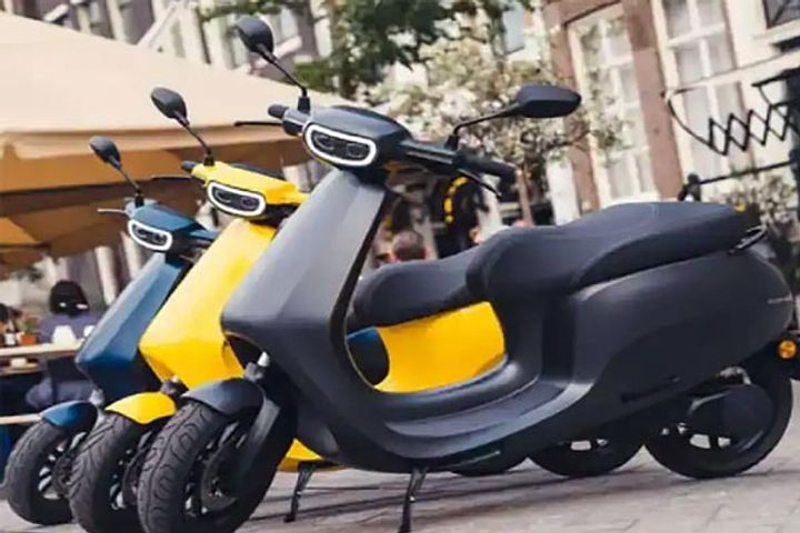 Ola announces 10000 women to work in electric scooter factory