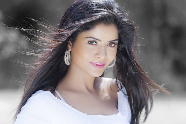 Supreme Court order that there will be no arrest of Gehana Vashisthabut the actress should cooperate