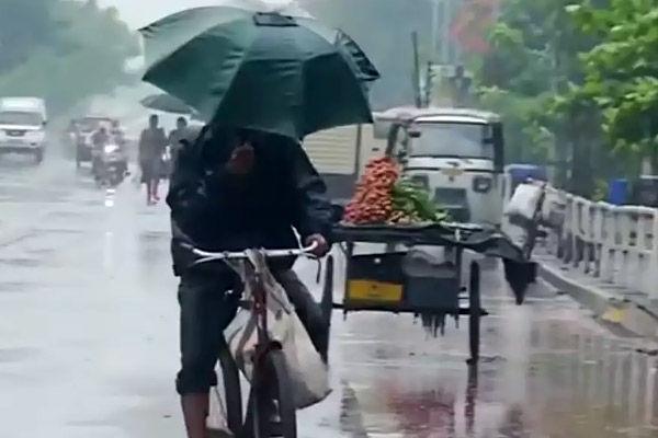 Cyclone warning issued for Odisha, Andhra Pradesh