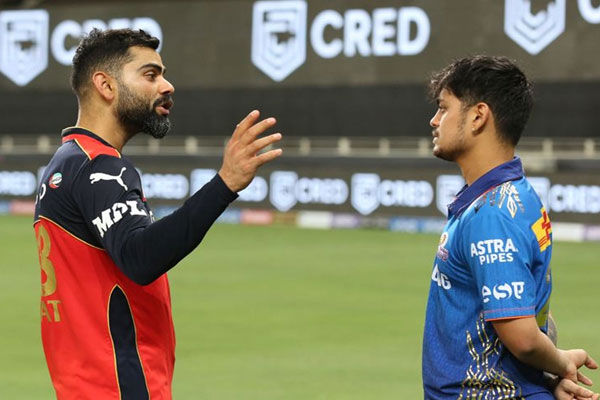 Virat Kohli consoles Ishan Kishan after RCB thrash MI