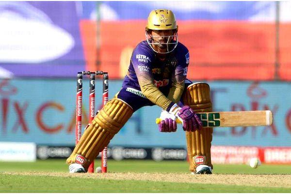 Dinesh Karthik completes 4,000 runs in IPL