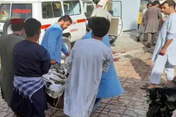Blast in between prayers, 100 killed